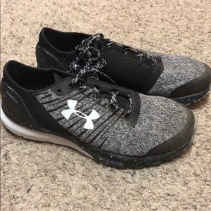 Shoes - Under armour charged shoes